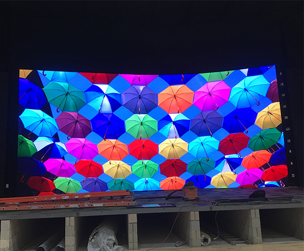 SBC为莫斯科机场定制了642.25平方米P16高清广告LED屏幕